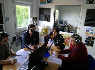 Xavier decto directeur du louvre lens dans les studios de RADIO PLUS DOUVRIN